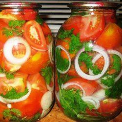 Маринованные помидоры с луком на зиму по-домашнему. Просто и вкусно!
